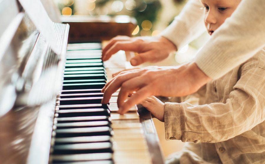 Top 7 Christmas Piano Books